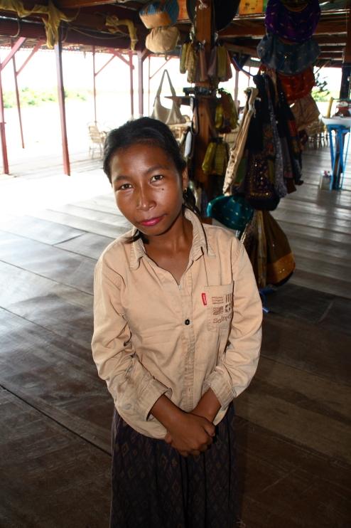 Antes de vender Souvenirs en el gran barco-granja de cocodrilos, fue una pequeña marinera del Tonlé Sap.