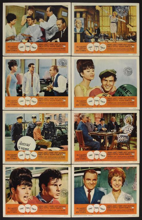 Diversas escenas del film en una colección de lobby cards de la época, coloreados.