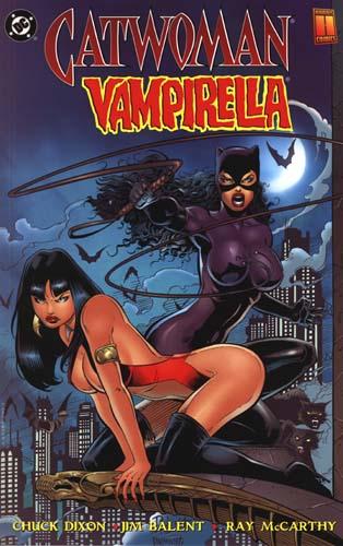 Vampirella y Cat Woman. Ufff ¡¡Vaya peligro de mujeres!!