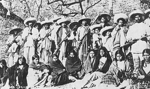 Estas mujeres acompañaban a sus hombres a donde hiciera falta, aunque tuvieran que andar cientos de kilómetros.