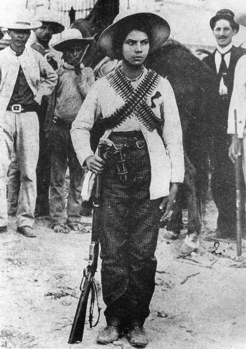 Decía Eric Wolf: Tanto mujeres como hombres, tanto coronelas como coroneles, integran el ejército zapatista.