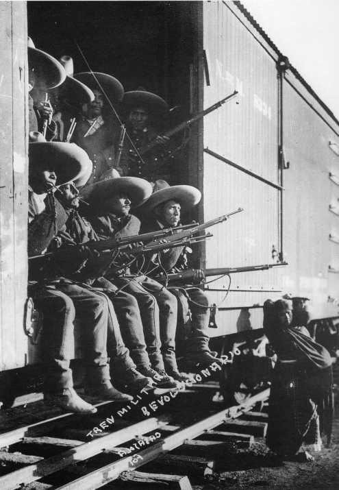 A los villistas todo se les iba en descarrilar trenes. Así peleaban ellos.