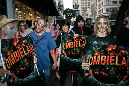 00ZOMBIELAND_COM_Zombiewalk