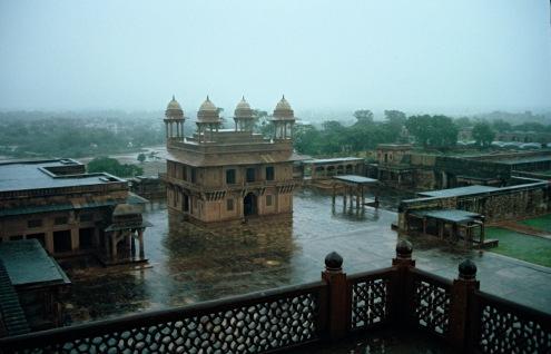 El Diwan I Khass. La sala de la Audiencia donde Akbar presidía junto con sus cuatro principales ministros, las audiencias privadas a los jefes de las comunidades.