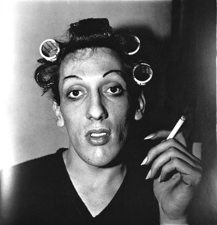 t-Diane_Arbus_a_young